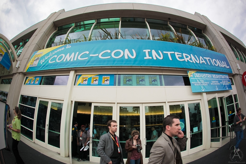 cbs_and_summit_entertainment_booths_at_comic-con_2012_for_antelope_entertainment-1