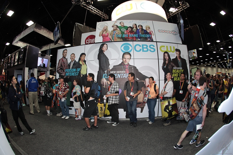 cbs_and_summit_entertainment_booths_at_comic-con_2012_for_antelope_entertainment-21