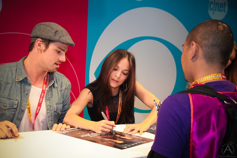 cbs_and_summit_entertainment_booths_at_comic-con_2012_for_antelope_entertainment-22
