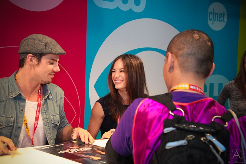cbs_and_summit_entertainment_booths_at_comic-con_2012_for_antelope_entertainment-23