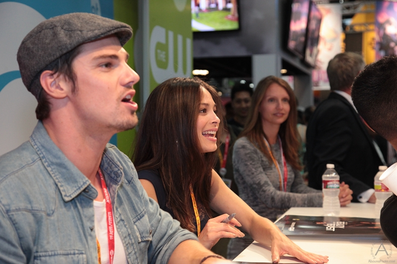 cbs_and_summit_entertainment_booths_at_comic-con_2012_for_antelope_entertainment-24