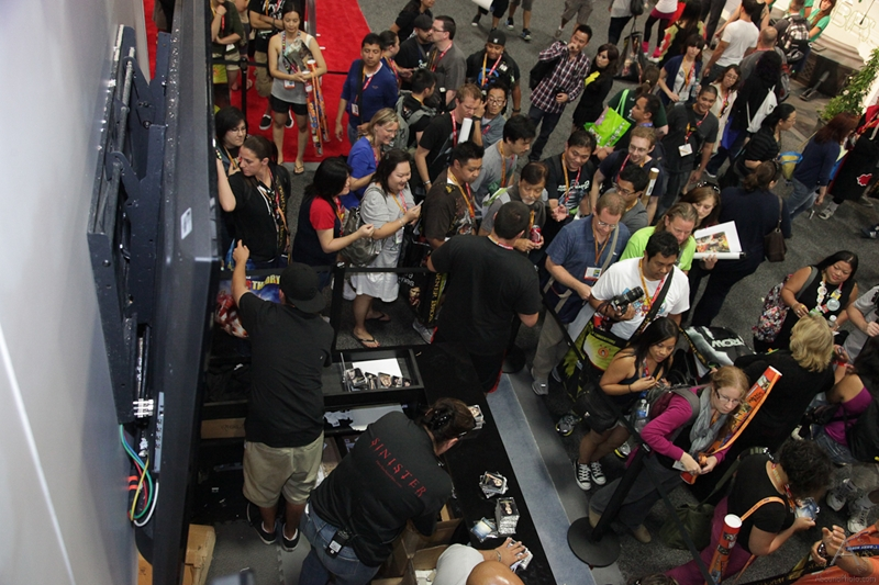 cbs_and_summit_entertainment_booths_at_comic-con_2012_for_antelope_entertainment-30
