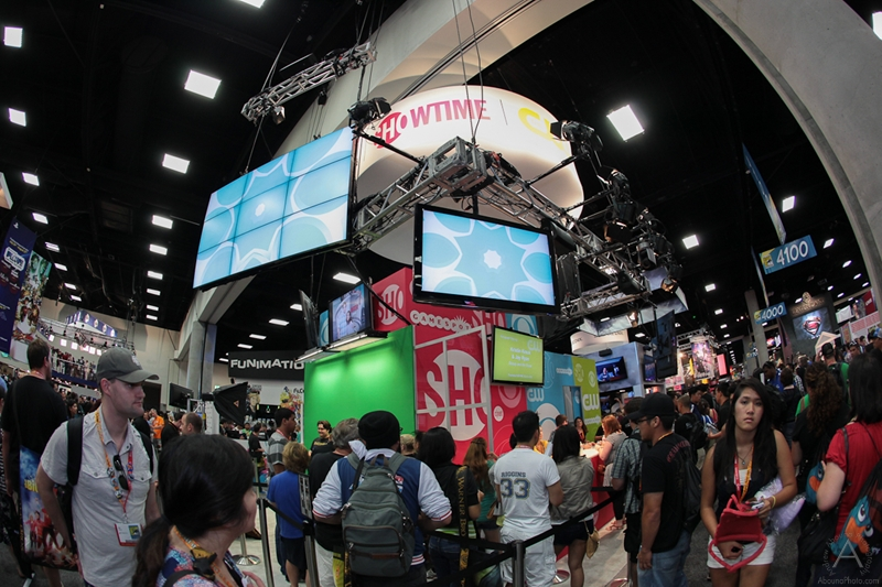 cbs_and_summit_entertainment_booths_at_comic-con_2012_for_antelope_entertainment-4