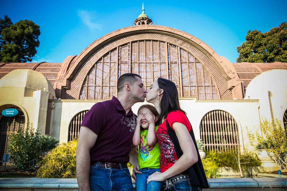 http://abounaphoto.com/whitney-justin-and-family-balboa-park-portraits