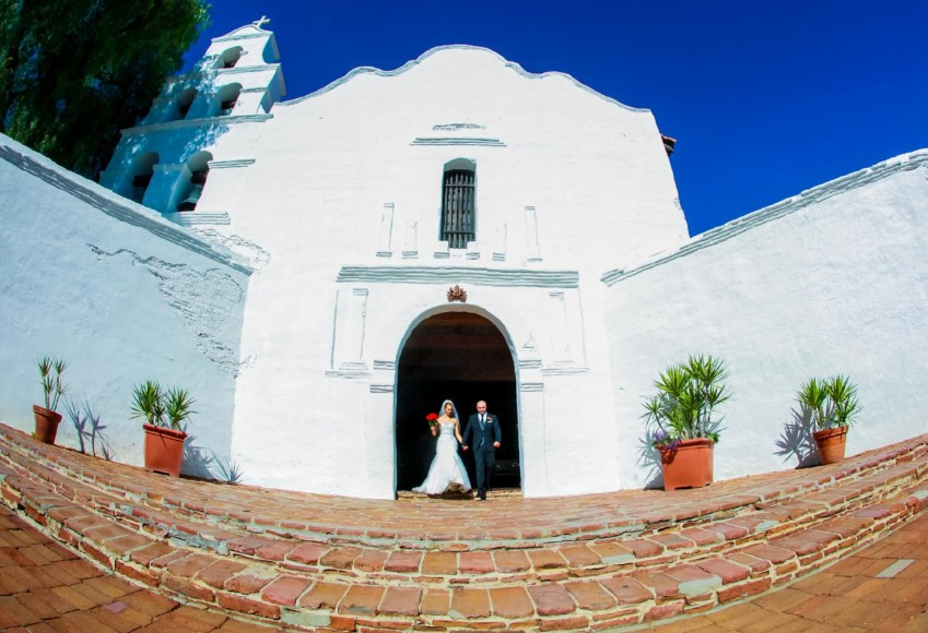 Valerie and Raul wedding album by San Diego Wedding Photographers Andrew Abouna_024-025