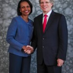 posed-onsite-event-and-portrait-background-ideas-grey-background-condoleezza-rice-with-prudential-john-strangfeld-abounaphoto-2-414x580