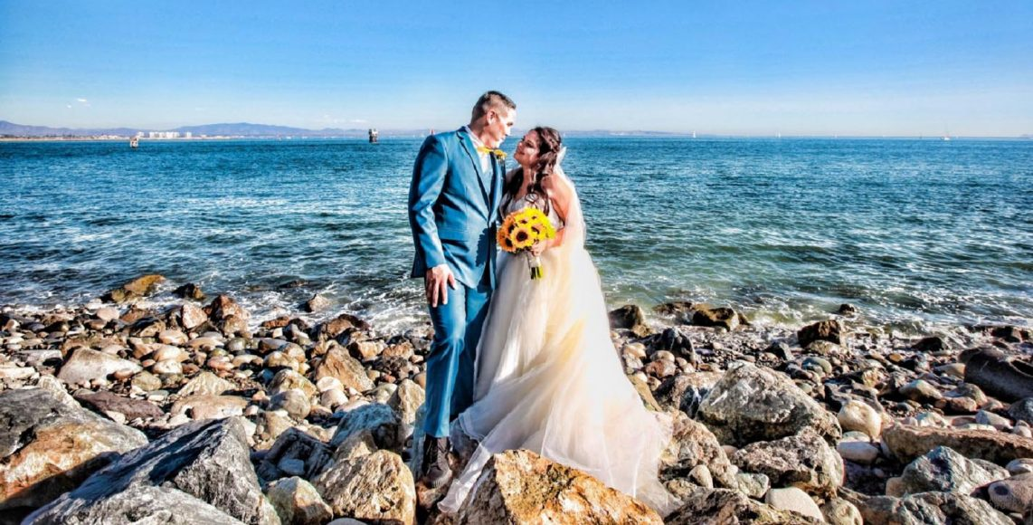 Alicia and Peter - San Diego Oceanfront Wedding Photography Album - AbounaPhoto - 008-009